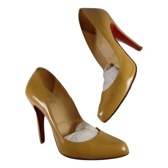 on sale c881b 640aa Vintage and Musthaves. Christian Louboutin heels