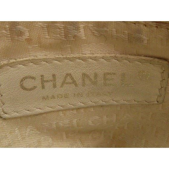 Picture of Chanel white cerf executive shopper tote bag