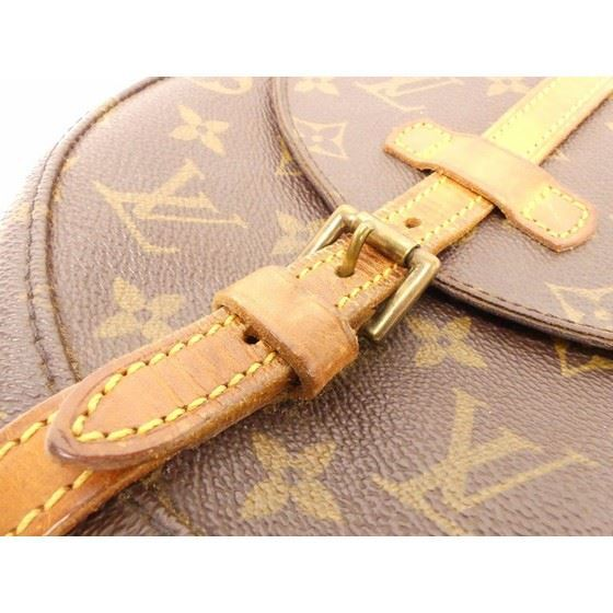 Picture of Louis Vuitton crossbody chantilly bag