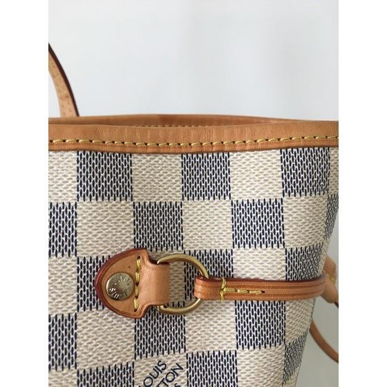 Picture of Louis Vuitton Damier Azur MM bag