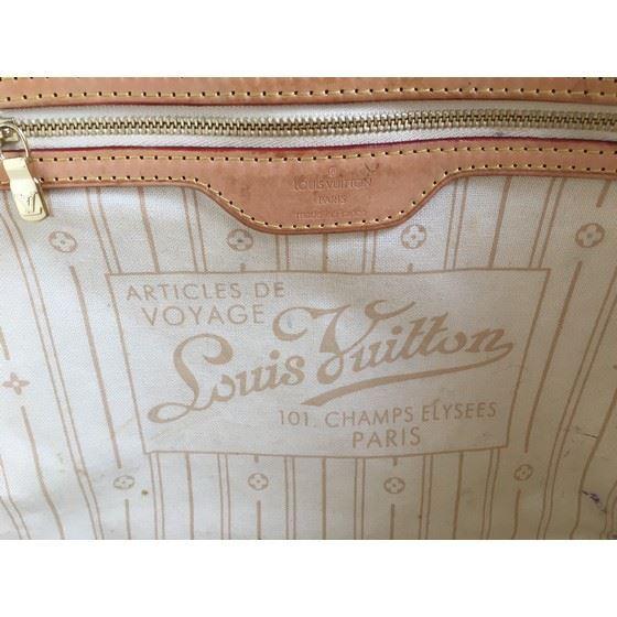 Picture of Louis Vuitton Damier Azur MM bag