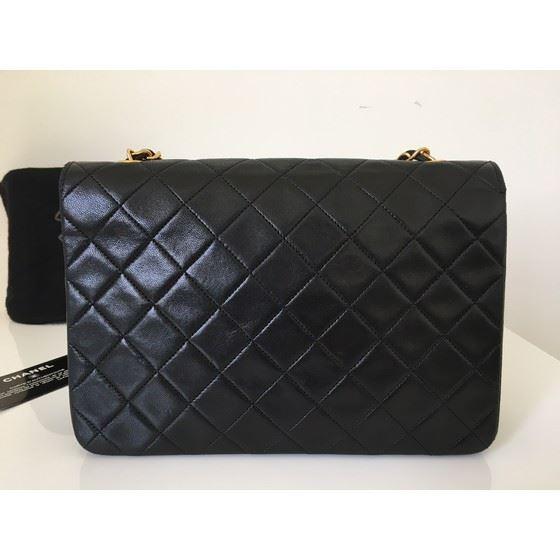Picture of Chanel medium classic crossbody flap bag 2.55