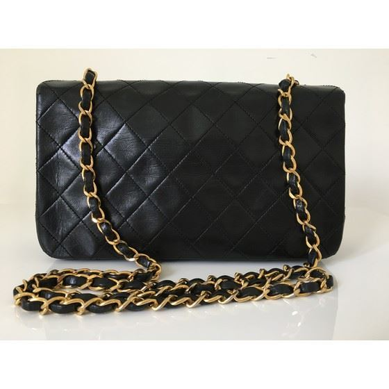 Picture of Chanel fullflap crossbody bag with turnlock