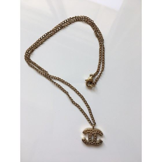 Picture of Chanel cc gold necklace