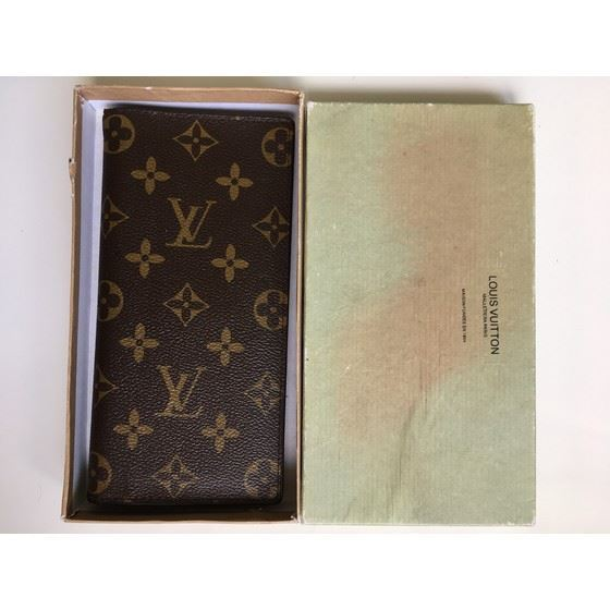 Picture of Louis Vuitton brown monogram wallet