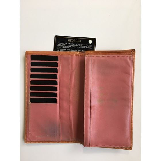 Picture of Chanel long orange patent leather wallet