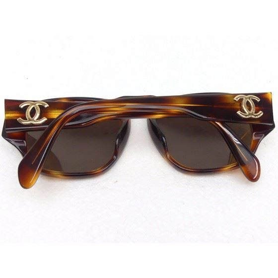 Picture of Chanel tortoiseshell sunglasses