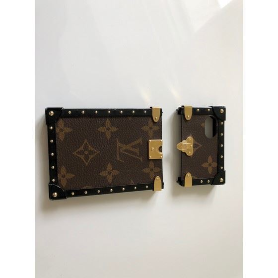 Picture of LOUIS VUITTON monogram Eye-Trunk for Iphone 7, M64479