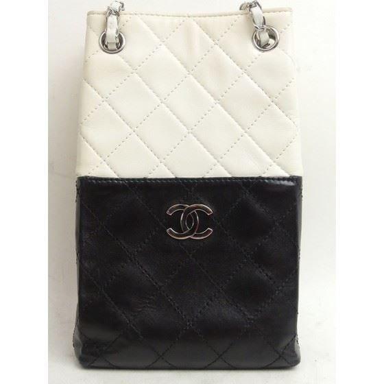 Picture of Special piece: Chanel bicolor long bag