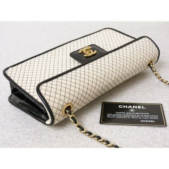 Picture of Special piece: Chanel bicolor cotton/patent leather chain bag