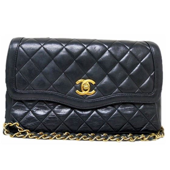 Picture of Chanel classic crossbody flap bag