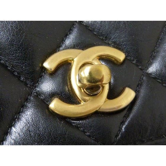 Picture of Chanel  classic flap crossbody bag