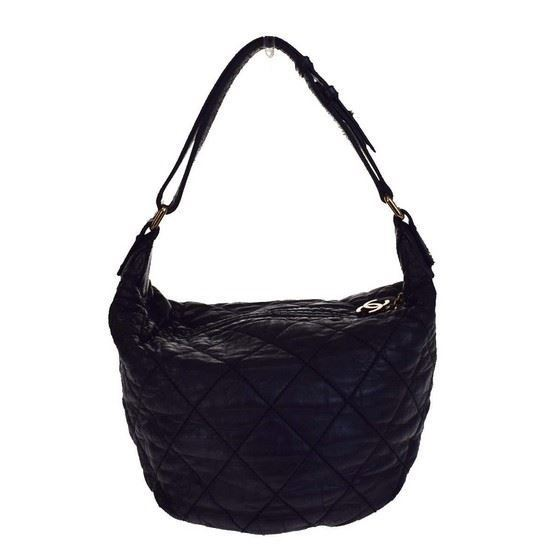 Picture of Chanel  Black CC charm quilted bag